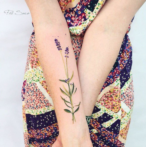 Pis Saro - flowers tattoo