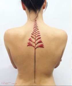 Pis Saro - flowers tattoo